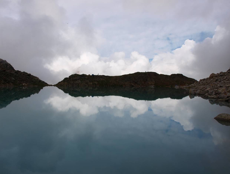 Озеро у массива Доломиты